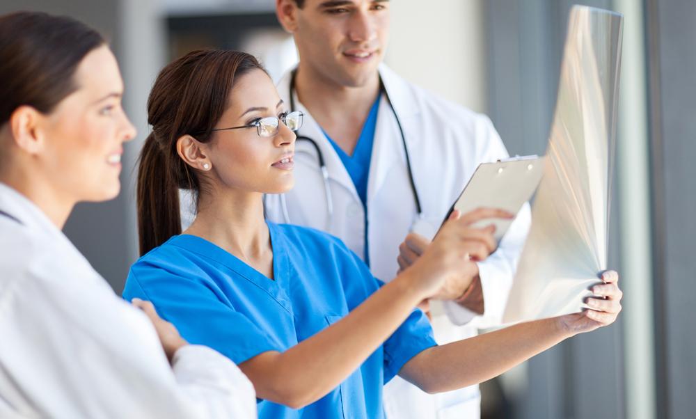 внимание, что фото врачей в работе вся изображенная